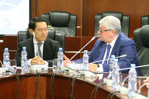 Lao Foreign Minister Gives Talks at MGIMO