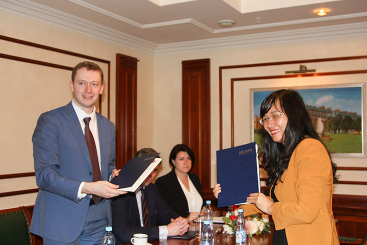 MGIMO Signs Memorandum on Cooperation with Diplomatic Academy of Vietnam