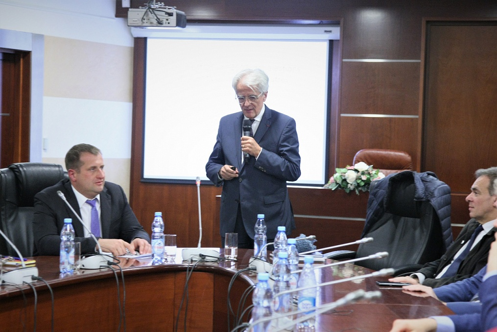 MGIMO Welcomes President of Sciences Po Alumni Association Pascal Perrineau