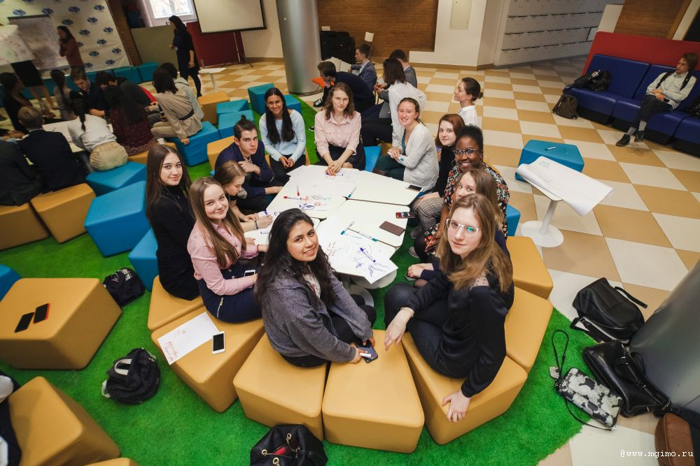 Lake Forest Academy Visits MGIMO Lyceum