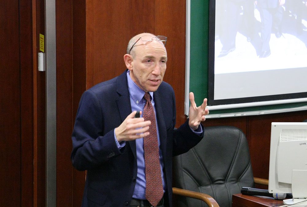 Itai Brun Lectures at MGIMO on Challenges to Israeli National Security