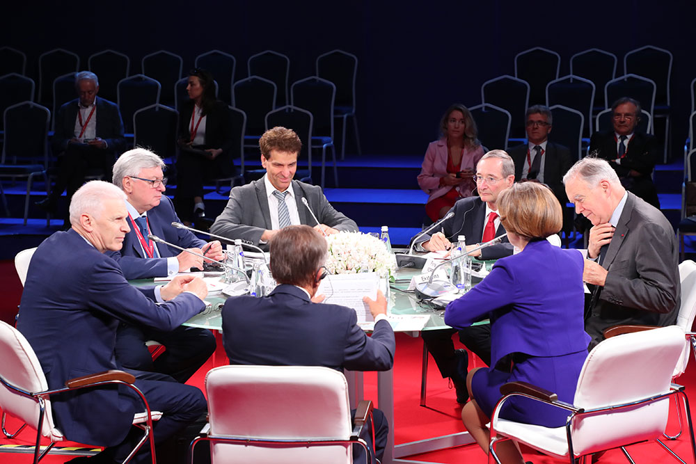 «Trialogue of Dialogues» at SPIEF-2019